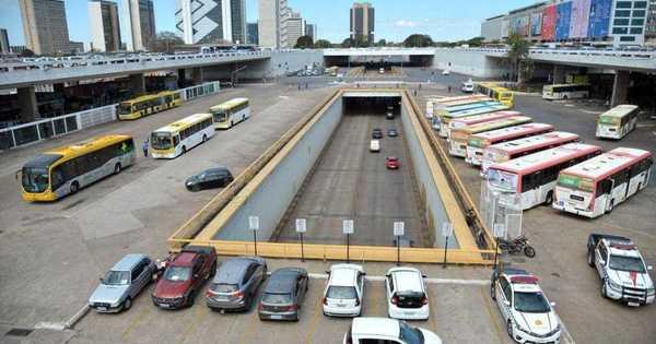 Nada de ônibus ou caminhões na plataforma superior da Rodoviária