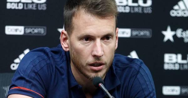 Após ceder Cillessen, Barcelona contrata goleiro brasileiro Neto