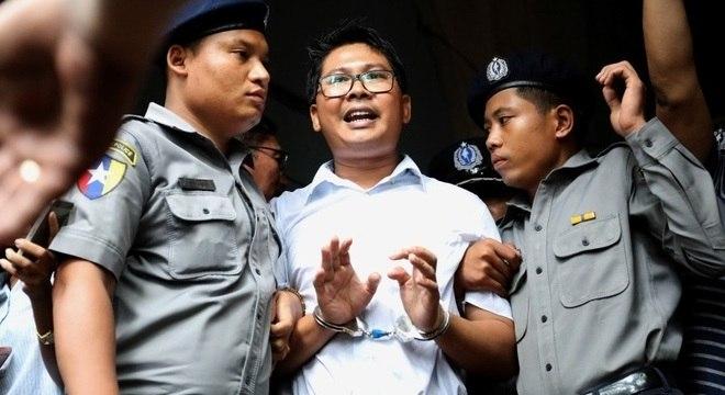 Wa Lone foi condenado a 7 anos de prisão por investigar assassinato de minorias