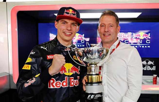 Jos Verstappen foi presença no grid nos anos 1990 e 2000, mas sem o mesmo brilho do filho Max, que corre pela Red Bull e tem nove vitórias na Fórmula 1