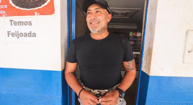 José Cabral foi jogador de futebol profissional e conseguiu emprego fixo na Nova Canaã
