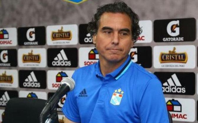 José del Solar: meio-campista, Solar participou de seis edições da Copa América pelo Peru e passou pelo futebol espanhol. É um dos grandes nomes do futebol peruano e agora treina o César Vallejo, do Peru.