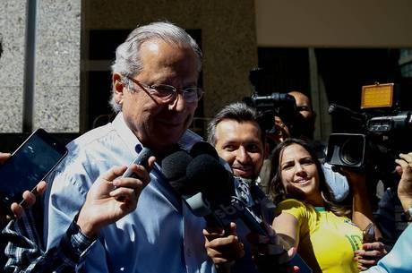 O ex-ministro José Dirceu, que volta à prisão