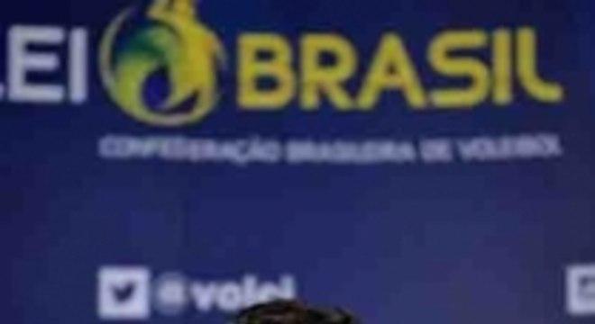 José Roberto Guimarães confirma continuidade como técnico do Brasil