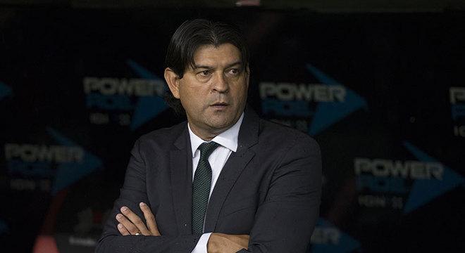 José Saturnino Cardozo: Treinador paraguaio de 49 anos. Ex-jogador, tem experiencia como técnico no Paraguai e no México. Já comandou Olimpia (PAR), Toluca (MEX) e Chivas (MEX), entre outros times.