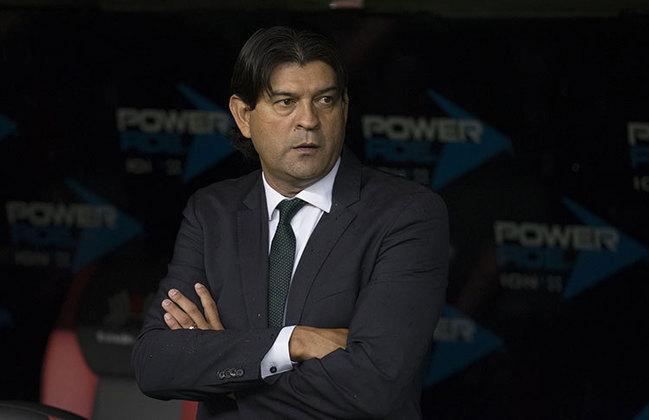 José Saturnino Cardozo: Treinador paraguaio de 49 anos. Ex-jogador, tem experiencia como técnico no Paraguai e no México. Já comandou Olimpia (PAR), Toluca (MEX) e Chivas (MEX), entre outros times