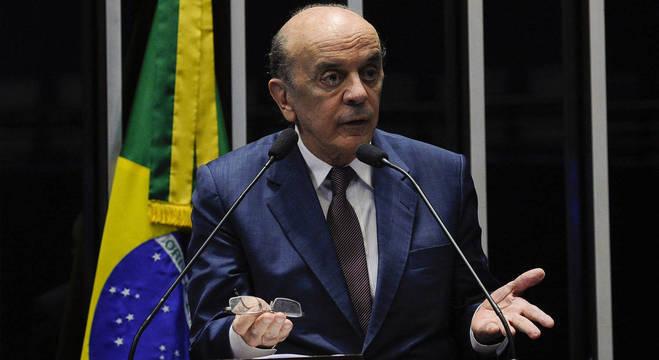 O senador tucano José Serra