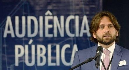 Na imagem, José Vicente Santini