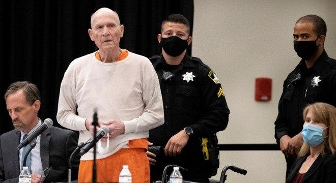 Joseph DeAngelo antes de ser condenado à prisão perpétua nesta sexta