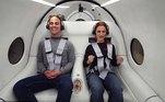 Os dois primeiros passageiros do Pegasus, como foi batizado o veículo,foram o diretor de tecnologia da empresa, Josh Giegel, e a líder do setor de experiênciado usuário, Sara Luchia. No futuro, será possível transportar até 28 passageiros quando todos os assentos estiverem ocupados