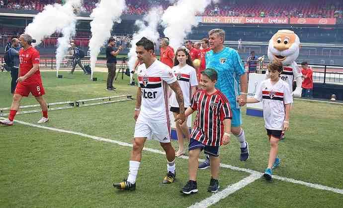 JOSUÉ - Aposentado desde 2014, após jogar pelo Atlético-MG, ex-volante está com 40 anos e também mostrou boa forma na Legends Cup. Mora em Goiânia e tem diversos projetos, incluindo um de agenciamento de atletas.