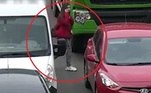 Aparentemente, o motorista do veículo, em posição elevada, não conseguiu visualizar a moçaVale o clique:Jovem acredita ter encontrado esqueleto de sereia em praia