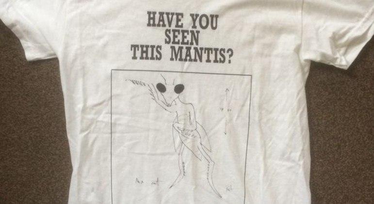 Camisa estampada com E.T. Louva-a-Deus desenhado por Paul