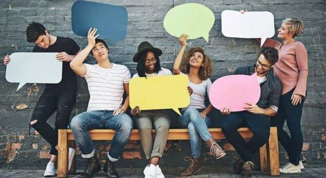 Segundo o estudo, um dos fatores que fez nosso rosto evoluir foi a necessidade de se comunicar melhor