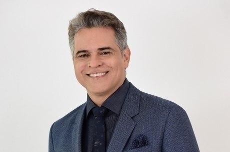 Juan Alba  vive o personagem Ramiro em Amor Sem Igual