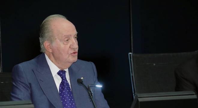 Rei emérito Juan Carlos I vai viver fora da Espanha