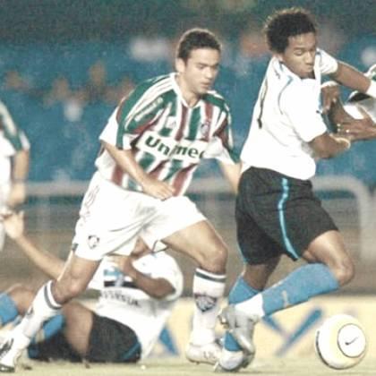 Juan - Depois de três anos na Inglaterra, o lateral retornou ao Brasil para ser campeão Carioca, vice da Copa do Brasil e chegar nas quartas de final da Sul-Americana em 2005 com o Flu. No ano seguinte ele acabou indo para o rival Flamengo. Se aposentou no ano passado.