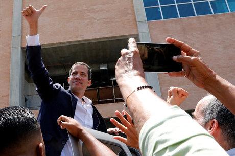 Juan Guaidó chegou ao aeroporto de Caracas