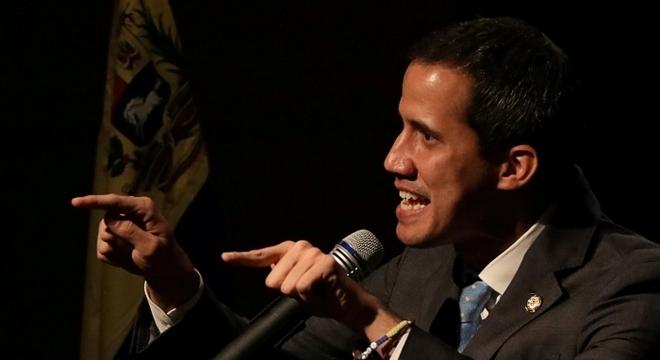 Guaidó pediu que as pessoas saiam às ruas e apelem por seus direitos