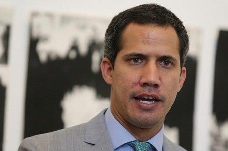 Guaidó diz que Maduro irá 'convocar eleições ilegalmente'
