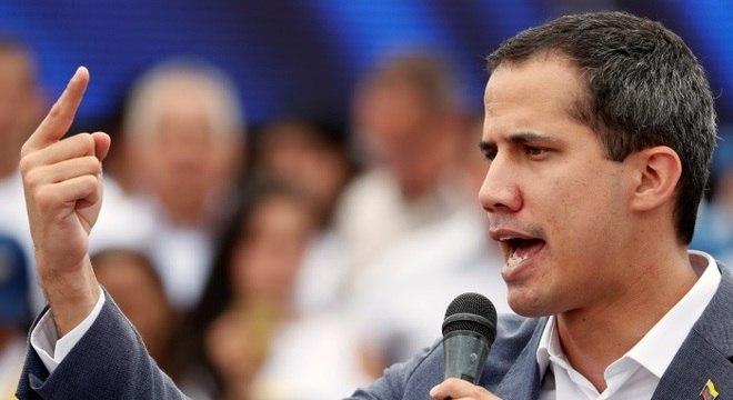 Guaidó diz que Maduro está frágil e tentou manipular oposição