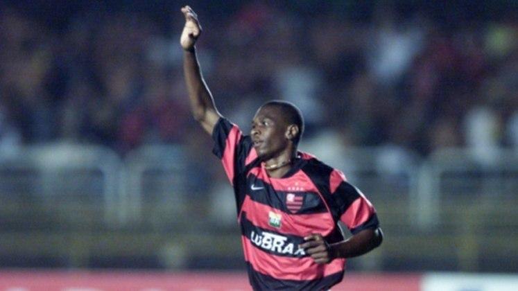Juan: ídolo do Flamengo, clube que o revelou, voltou em 2016 para uma última passagem no clube do coração. Não teve tantos jogos por não conseguir acompanhar o ritmo do time e se aposentou em 2020, para virar dirigente