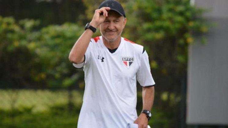Juan Osório foi contratado pelo Tricolor Paulista em junho de 2015 para assumir o comando técnico do clube. Muito agitado na beira do campo e com as suas famosas anotações com canetas azul e vermelha, deixou o cargo em outubro daquele ano para assumir a seleção mexicana. Assim, sua passagem terminou com 28 jogos, 12 vitórias e nove derrotas.