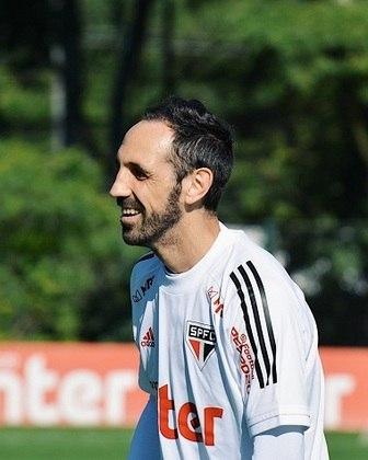 Juanfran, cujo contrato se encerra no fim deste ano, também mostrou felicidade durante os trabalhos deste sábado