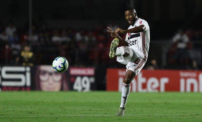 Jucilei (33 anos) - Volante - Sem time desde maio de 2021 - Último clube: Boavista - Valor de mercado: 1,5 milhão de euros (R$ 9,25 milhões)