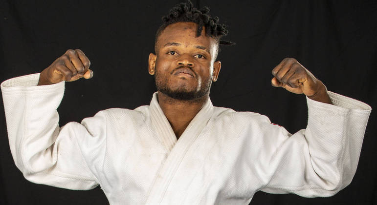 Popole Misenga defende a Equipe Olímpica de Refugiados
