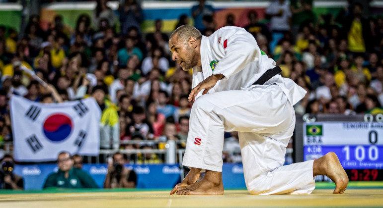 Antônio Tenório conquistou 4 medalhas de ouro e está em busca da próxima