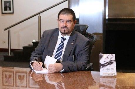 Juiz Flávio Itabaiana, na prática, foi afastado do caso
