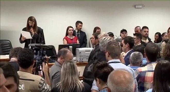 Juíza lê sentença do julgamento da morte do garoto