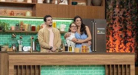 Julia com a mãe, Luciane, e o irmão, Bernardo