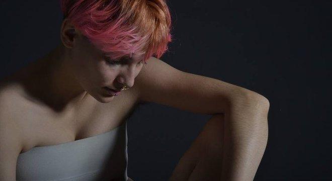 """Julian Cosmo Kahalia, de 21 anos, não aceita que te tratem """"como ele ou ela"""""""