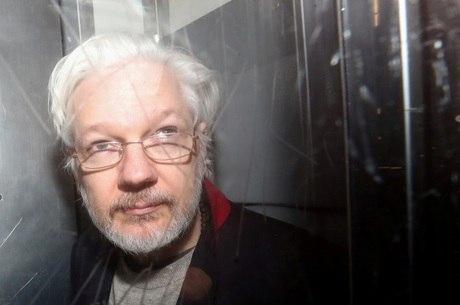 Assange foi procurado por aliado de Donald Trump