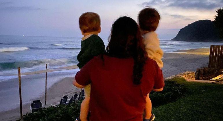 Juliana Amaral posta foto com os filhos de Paulo Gustavo
