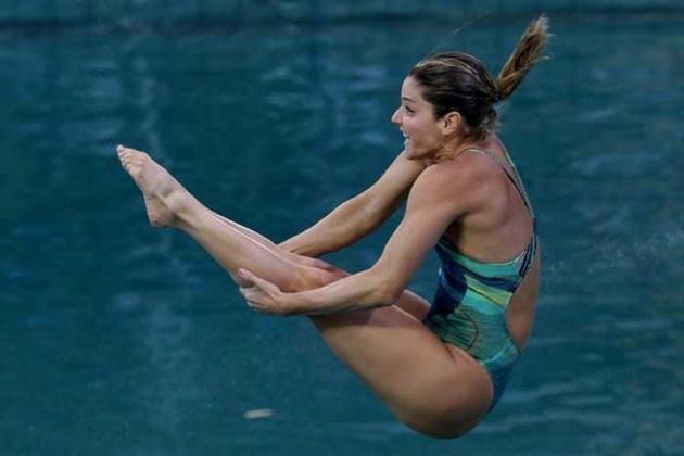 Juliana Veloso, atleta dos saltos ornamentais, competiu em cinco edições olímpicas (2000, 2004, 2008, 2012 e 2016). Não conquistou nenhuma medalha (ela foi premiada em três Pan-Americanos)