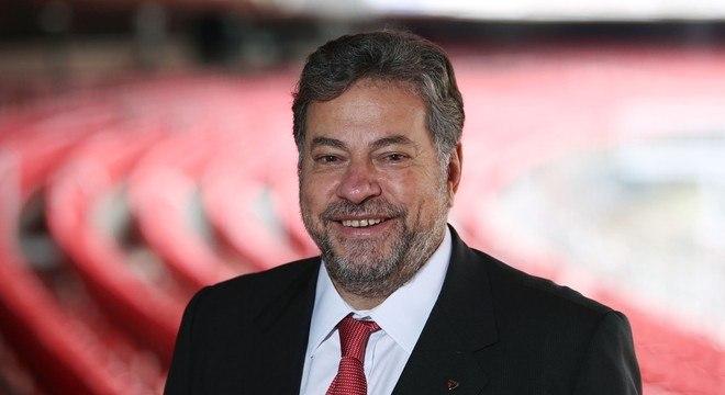 Candidatura de Casares representa uma coalizão de oito grupos políticos
