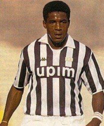 Júlio César - zagueiro - 1990/1994 - 125 jogos e 6 gols - Clubes no Brasil: Guarani, Botafogo e Rio Branco-SP