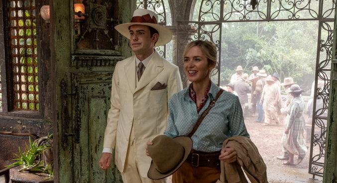 Jack Whitehall e Emily Blunt em cena do filme 'Jungle Cruise'