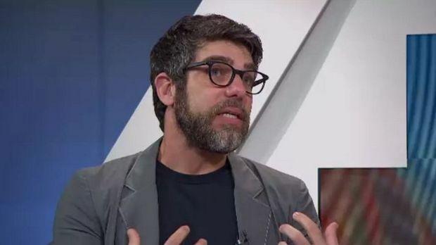 Juninho Pernambucano deixa a Globo após declarações contra jornalistas