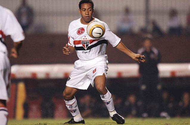 Júnior - Entre 2004 e 2008, Júnior conquistou o Campeonato Paulista, a Libertadores e o Mundial de Clubes de 2005, além dos Campeonatos Brasileiros de 2006, 2007 e 2008 com o Tricolor. Ao todo foram 197 jogos pelo clube do Morumbi, com 115 vitórias.