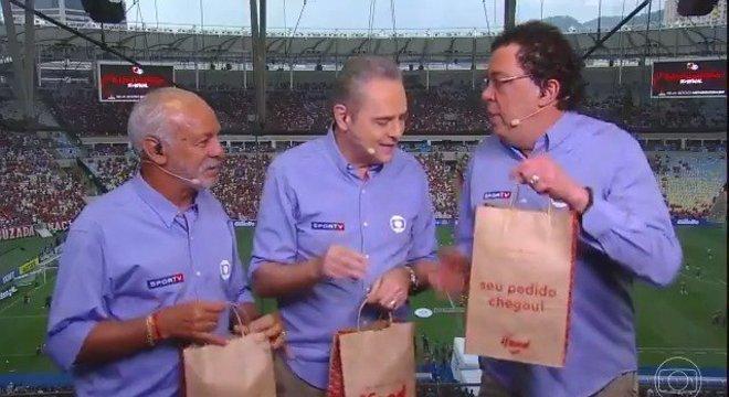 Júnior, Luís Roberto, Casgrande e ifood. Agrado ao patrocinador