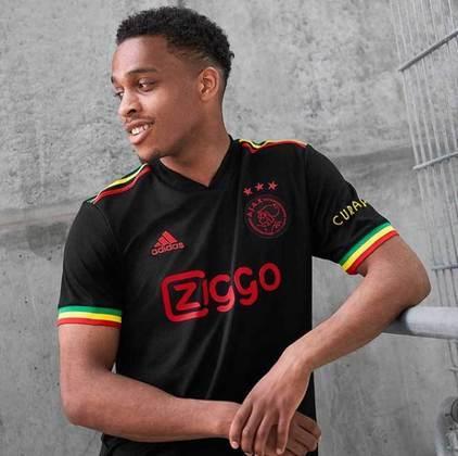 Jurrien Timber: Ajax - 20 anos - defensor