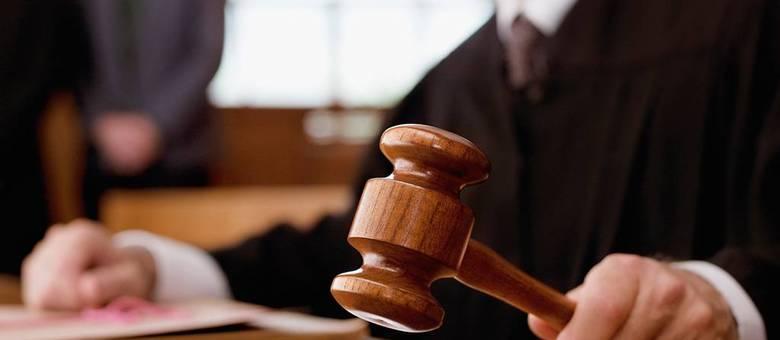 STJ autoriza réu preso a usar roupas próprias em julgamento