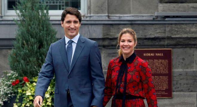 A informação de que Sophie Grégoire Trudeau está com coronavírus foi divulgada pelo escritório de Justin Trudeau
