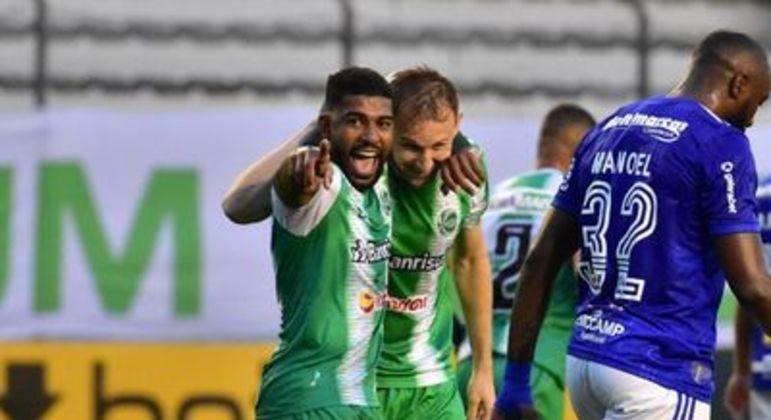 Juventude venceu, com facilidade, o Cruzeiro. E manteve o clube mineiro na Série B