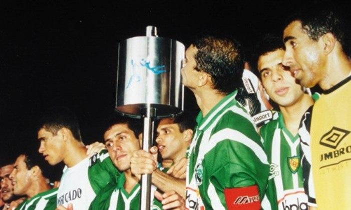 JUVENTUDE PARTE 2 - Taí o porquê da estrela dourada o emblema. O time gaúcho merece aparecer nesse ranking de novo. Precisava vencer o Fluminense por 2 a 0, no Estádio Alfredo Jaconi, para ficar entre os 16 melhores da Copa do Brasil de 1999. Fez mais. No dia 7 de abril, em noite de rara inspiração, aplicou 6 a 0 no time de Carlos Alberto Parreira, a maior goleada da competição.