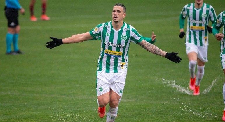 Matheus Peixoto marcou o único gol da partida para o Juventude